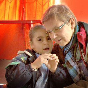 Dokumentti sukeltaa sadutushetkien avulla suomalaisten ja libanonilaisten lasten ajatuksiin.