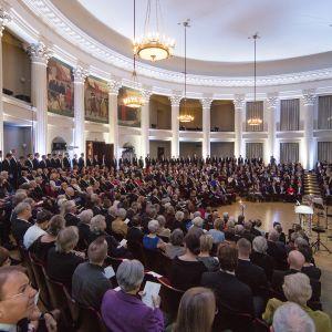 Svenska litteratursällskapets årshögtid 2017 i Helsingfors universitets solennitetssal
