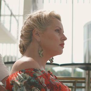 Heidi Marjanderin ohjaamassa Puhuva katse -dokumentissa Kati katsoo maailmaa paikaltaan, mutta hän ei ole jäänyt paikoilleen.