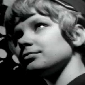 Arja-Liisa työskentelee hissityttönä Stockmannilla (1966).