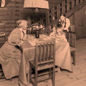 Jean ja Aino Sibeliuksen perhe 1915