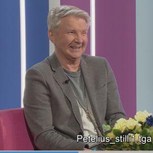 Pirkka-Pekka Petelius Puoli seitsemän studiossa