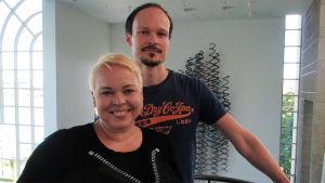 Oopperalaulajasisarukset sopraano Johanna Rusanen-Kartano ja baritoni Ville Rusanen.