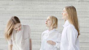 Linda Bergroth (t.v.) och OK Do:s Anni Puolakka och Jenna Sutela