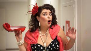 Helena perusti kouvolalaisen tanssiryhmä Cougarsin, joka on mukana SuomiLOVEn kolmannella kaudella.
