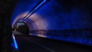 Syyskuussa 2015 Baanan ylittäviä siltoja koristivat erilaiset valoteokset