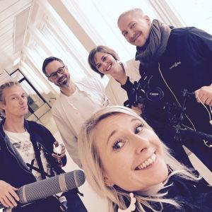 Elossa 24h-sarjan kuvausryhmä Oulun yliopistollisessa sairaalassa
