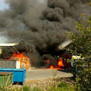 Pohjanmaan hyötykäyttös hall i Indola i Karleby brinner.