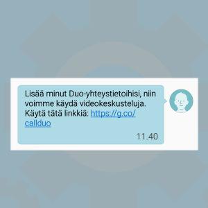 Kuvakaappaus: Google Duo -sovellus kutsuu yhteystietolistan ihmisen mukaan tekstiviestillä.