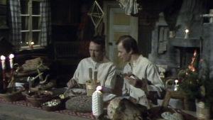 Vanamon ja Kolmosen jouluillallinen ohjelmassa Se on sitten joulu (1977).