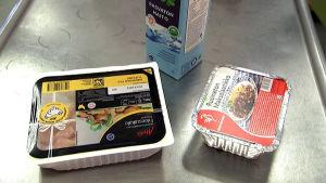 Kanaa, maitoa, maksalaatikkoa