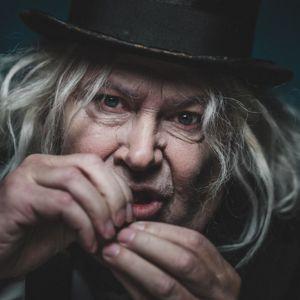 Skådespelaren Anders Larsson sminkad till Scrooge