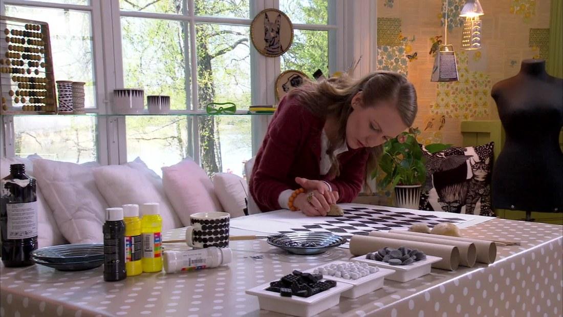 tygtryck med potatis penna och pappersrulle hobby och hantverk. Black Bedroom Furniture Sets. Home Design Ideas