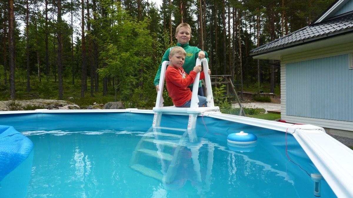 Populärt med dopp i egen pool   Åboland   svenska.yle.fi