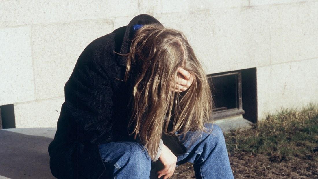 hur ska man hjälpa en deprimerad person