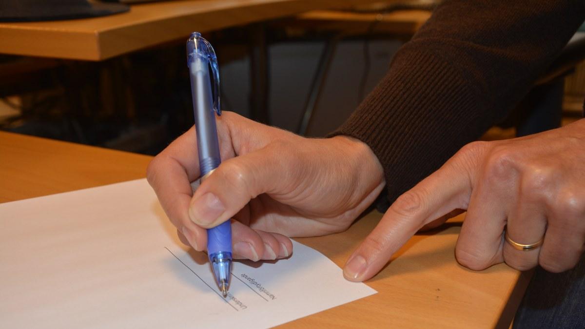 skriva avtal