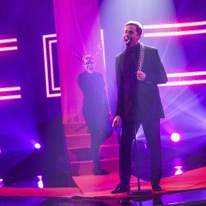 Cristal Snow esiintymässä Uuden Musiikin Kilpailussa Karsinta 2:ssa.