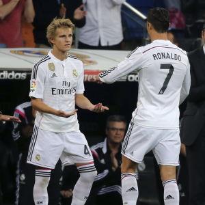 Martin Ødegaard in, Cristiano Ronaldo ut, när Real Madrid mötte Getafe i maj 2015.