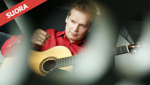 Kitarataiteilija Ismo Eskelinen.