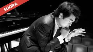 Kiinalainen tähtipianisti Lang Lang soittaa Helsingin juhlaviikkojen 2016 konsertissa RSOn solistina.