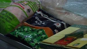 Okra och kyckling i frysdisken