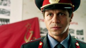 Pavel Derevjanko on Mihail Solovjov sarjassa Kuun pimeä puoli