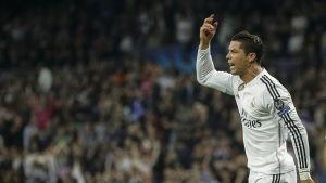 Cristiano Ronaldo öste in mål mot Schalke04.