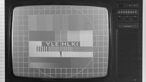 Mustavalkoisessa kuvassa televisiolaite vuodelta 1979.