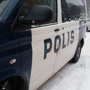 Polisen är snabbt på plats.