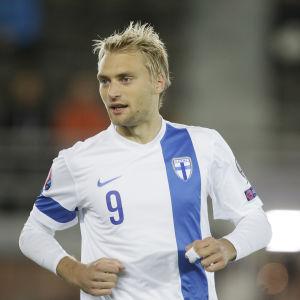 Tim Väyrynen är med i matcherna mot Belgien och Italien.