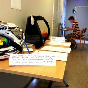 Elevantagning vid Helsinge gymnasium i Vanda.