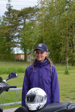 Alexandra Andersson bor i Vallgrund i Korsholms skärgård.