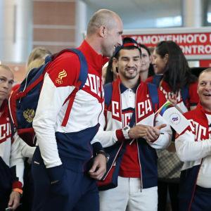 Volleybollsspelaren Sergej Tetjukhin är Rysslands fanbärare i OS i Rio.