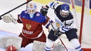 Michelle Karvinen i elden mot Ryssland vid VM 2015.