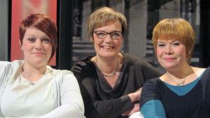 Josefiina Sabel-Salmela (vas.), Hilla Blomberg ja Mari Sipola