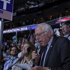 Bernie Sanders under demokraternas partikonvent i Philadelphia.