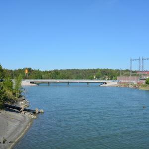 Nya bron mellan Tyska holmen och Valsverksholmen.