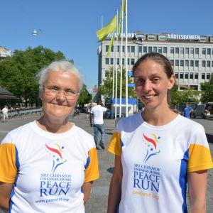 Iiris Nuuja och Shyamala Stott har deltagit i Peace Run årligen sen 1987.