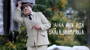 Sibelius kurkistaa putkeen
