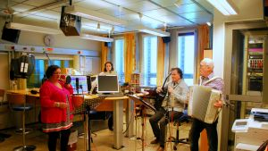 Minikonsert i Yle Österbottens studio