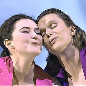 Stéphanie d'Oustrac ja Topi Lehtipuu oopperassa Paladiinit