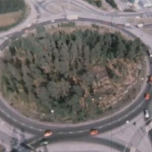 Liikenneympyrä televisioelokuvasta Robinson Crusoe Jr. (1976)