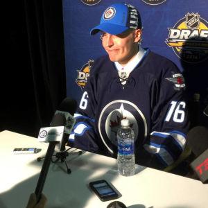 Patrik Laine reserverades av Winnipeg Jets i NHL-draften.