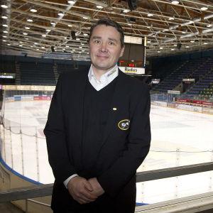 Sportchefen Harri Aho är nöjd med sin senaste värvning.