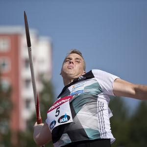 Ari Mannio pallade för trycket i Uleåborg.