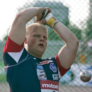 Tuomas Seppänen tog FM-silver i Kalevaspelen.