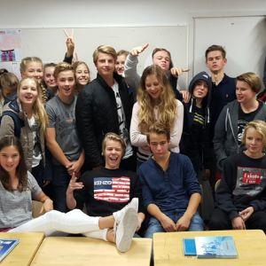 En klass 9 i Grundskolan Norsen på en gruppbild.
