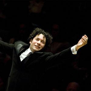 Kapellimestari Gustavo Dudamel.