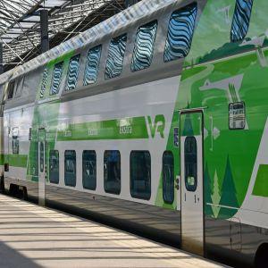 Intercitytåg på Helsingfors järnvägsstation.