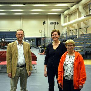 Jan Hellberg, Pia Valtanen och Åsa Westerlund arranger körfesten som snart fyller bollhallen i Ekenäs